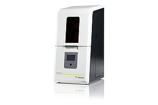 BEGO 3D printer Varseo S – The 3D printing system specially developed for dental uses with an innovative cartridge system